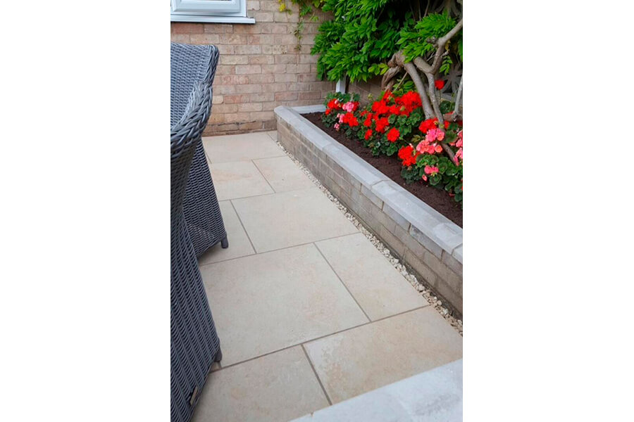 Small Garden Wall - Patience and Hilliard Builders in Norfolk